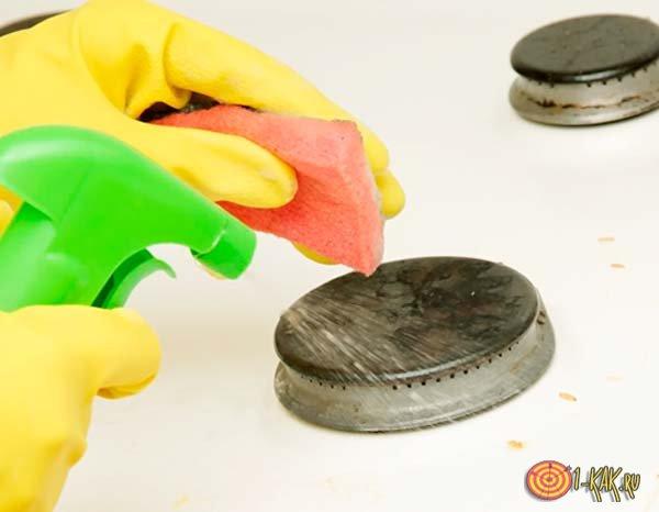Как можно очистить плиту от жира и нагара?