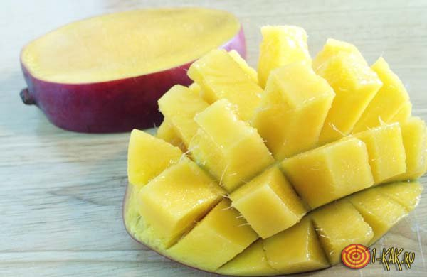 Легкий способ очистки манго дома