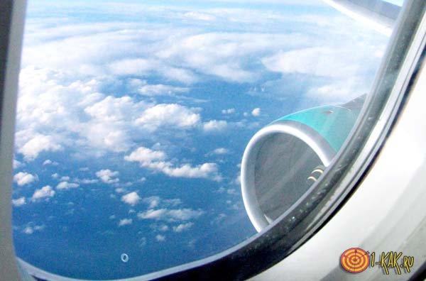 Окно в самолете