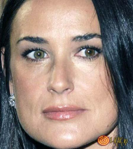 Деми Мур и суфы на ее лице