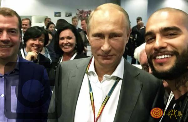 Знаменитое селфи с президентом в инстаграмме