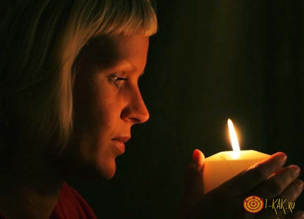 Молитва на продажу квартиры со свечей