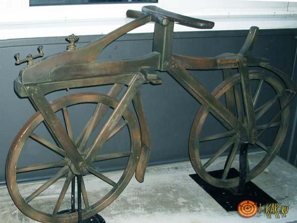 Первый велосипед в мире