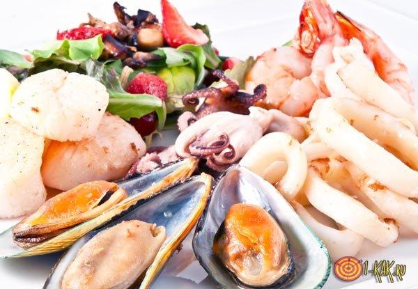 Морепродукты содержат селен в большом количестве