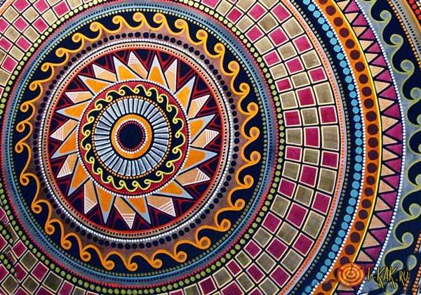 Цветные узоры в кругу
