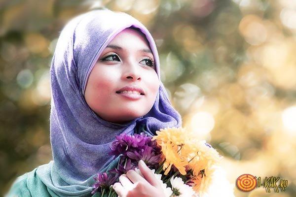 Мусульманка не носит украшения