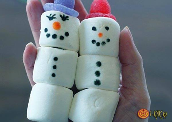 Маршмеллоу в виде снеговика