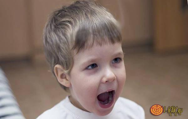 Ребенок произносит звучные согласные