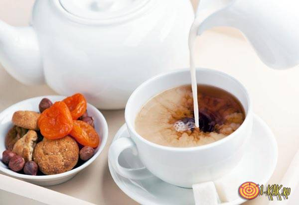 Чай совмещают с молоком
