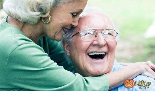 Очень долгая жизнь пожилых супругов