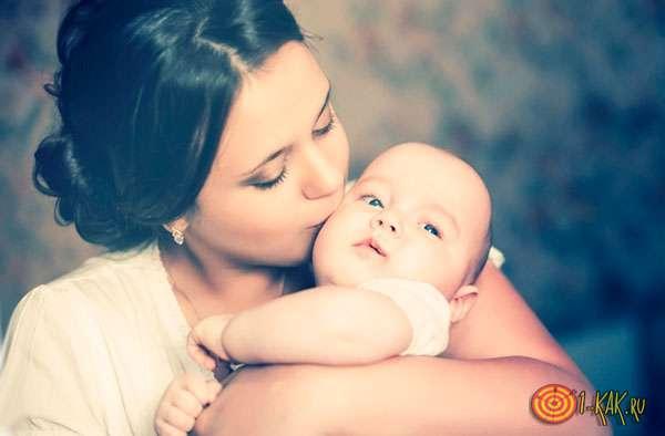 Мама и ее маленькая дочка