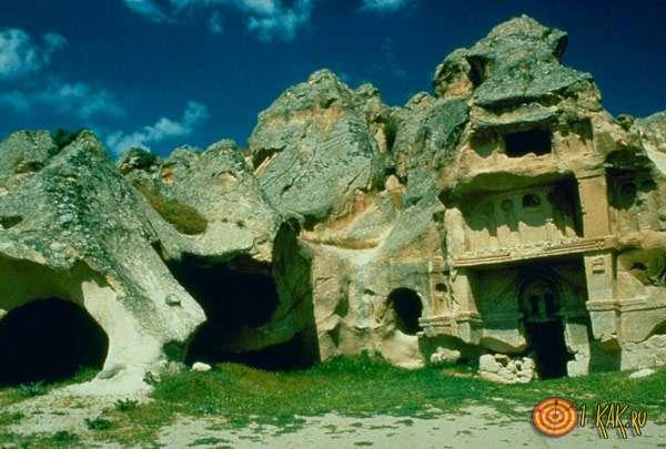 Древние пещеры европейцев