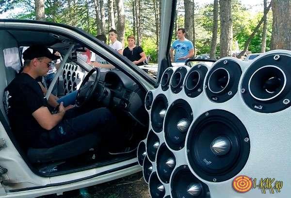 Звуковые панчи из автомобильных колонок