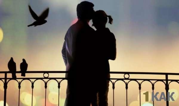 Романтические любовники на набережной